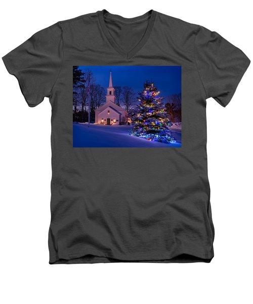 New England Christmas Men's V-Neck T-Shirt