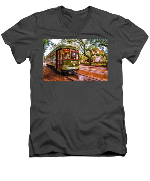 New Orleans Classique Oil Men's V-Neck T-Shirt by Steve Harrington