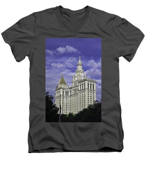 New York Municipal Building Men's V-Neck T-Shirt