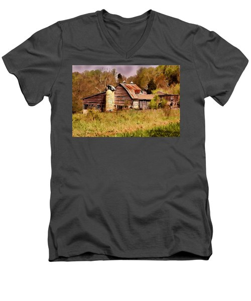 Newton Township Barn Men's V-Neck T-Shirt
