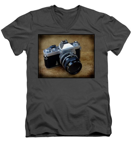 Nikkormat Ft3 Camera Men's V-Neck T-Shirt