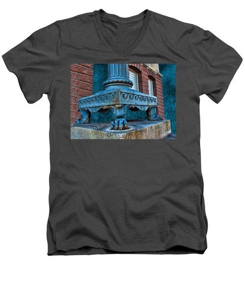 North Platte Post Office Lamp Post Men's V-Neck T-Shirt