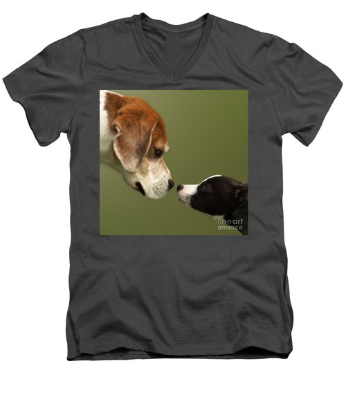 Nose To Nose Dogs 2 Men's V-Neck T-Shirt