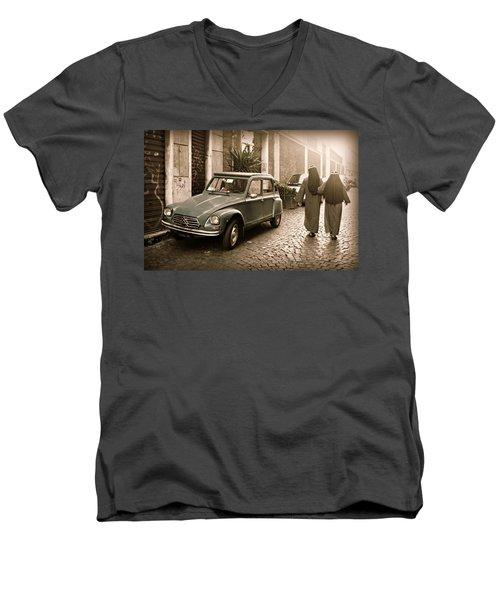 Nuns With Vintage Car Men's V-Neck T-Shirt