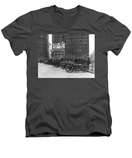Ny Motorcycle Police Men's V-Neck T-Shirt