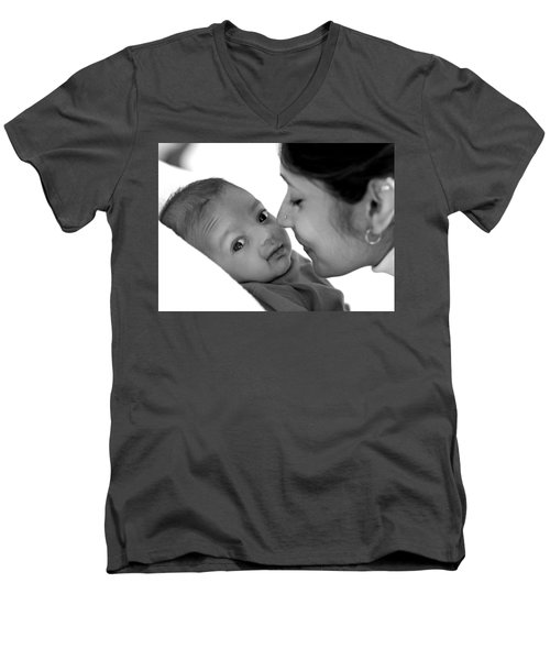 Oh Mom Men's V-Neck T-Shirt