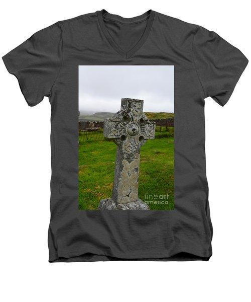 Old Cemetery Stones In Scotland Men's V-Neck T-Shirt