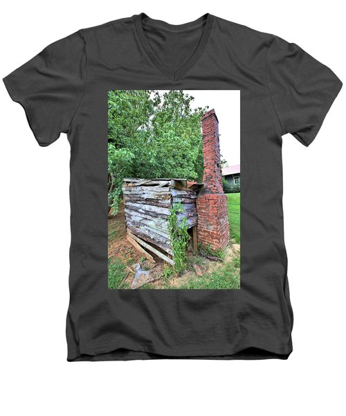 Men's V-Neck T-Shirt featuring the photograph Old Georgia Smokehouse by Gordon Elwell