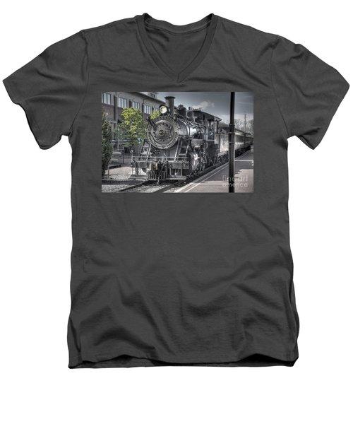 Old Number 40 Men's V-Neck T-Shirt