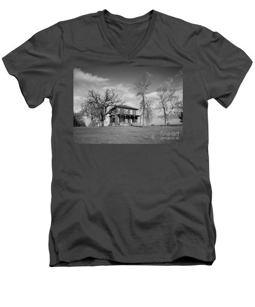 Old Rustic House On A Hill Men's V-Neck T-Shirt