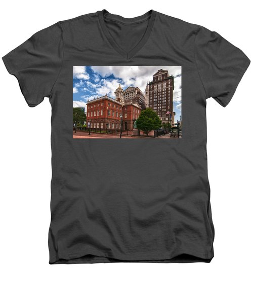 Old State House Men's V-Neck T-Shirt