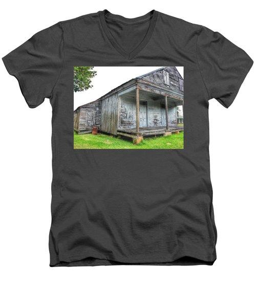 Old Theriot Post Office Men's V-Neck T-Shirt