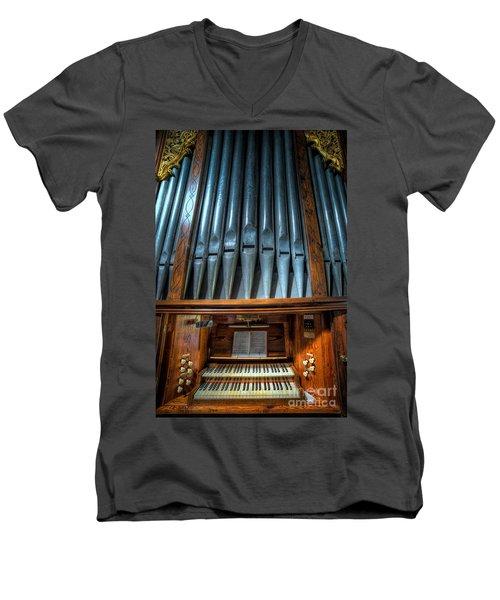 Olde Church Organ Men's V-Neck T-Shirt