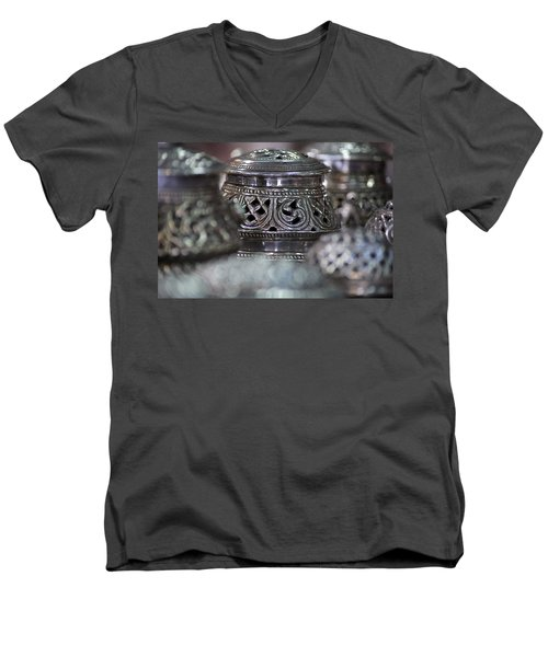 Omani Silver Men's V-Neck T-Shirt