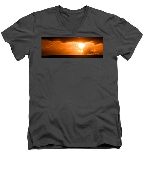 Panoramic Photo Of Sunset At Monkey Mia  Men's V-Neck T-Shirt