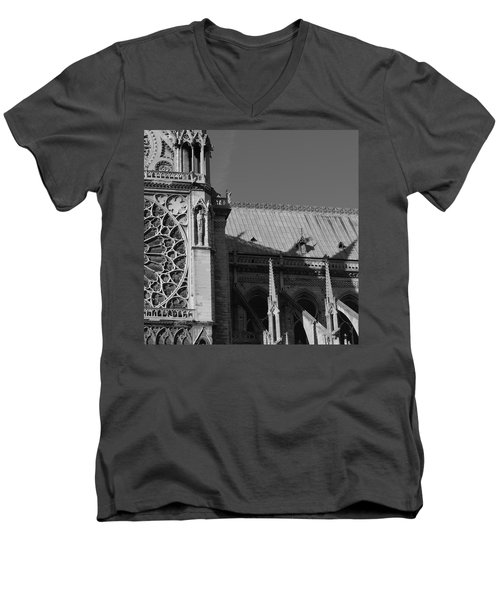 Paris Ornate Building Men's V-Neck T-Shirt
