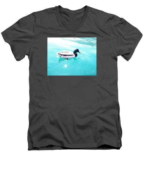 Pato Men's V-Neck T-Shirt
