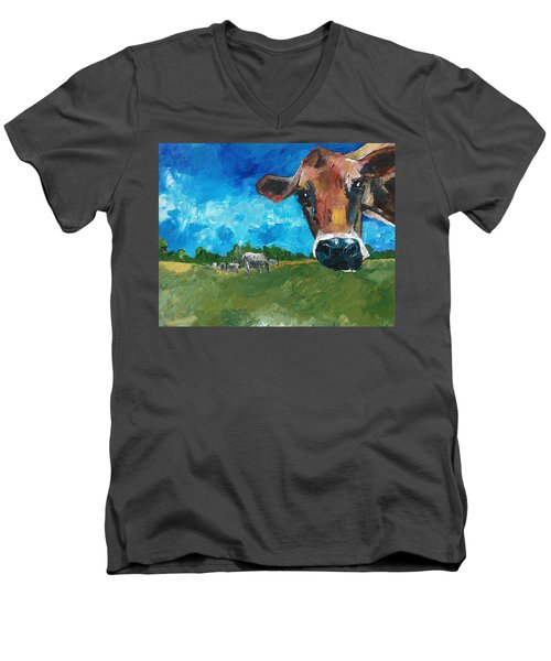 Peeping Bessie Men's V-Neck T-Shirt