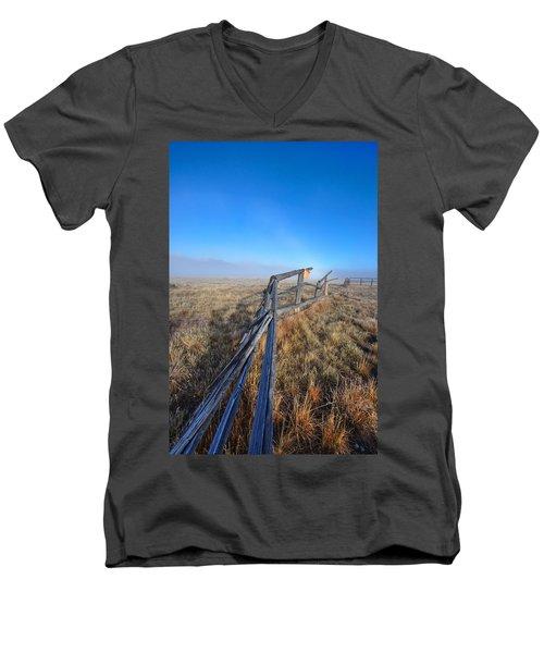 Pettit Fog Men's V-Neck T-Shirt