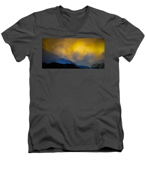 Pike's Peak Snow At Sunset Men's V-Neck T-Shirt