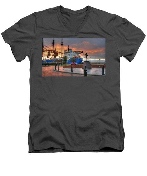 Plaza De Luna Men's V-Neck T-Shirt