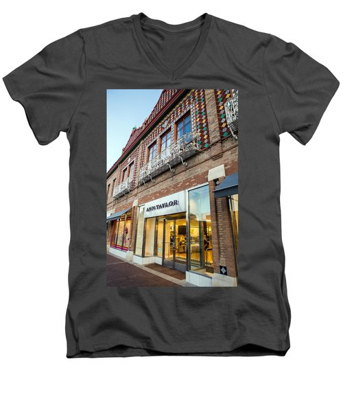 Plaza Store Men's V-Neck T-Shirt