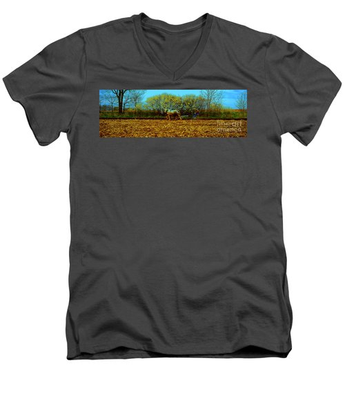 Plow Days Freeport Illinos   Men's V-Neck T-Shirt