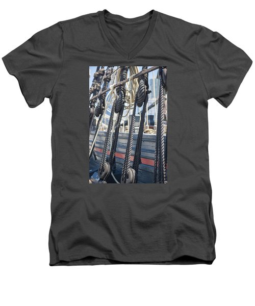Pulley And Stay Men's V-Neck T-Shirt