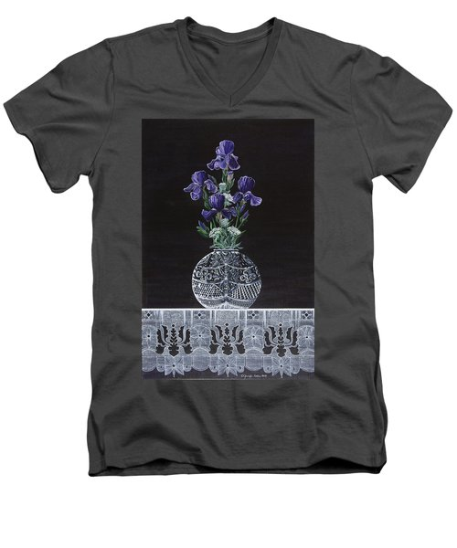 Queen Iris's Lace Men's V-Neck T-Shirt