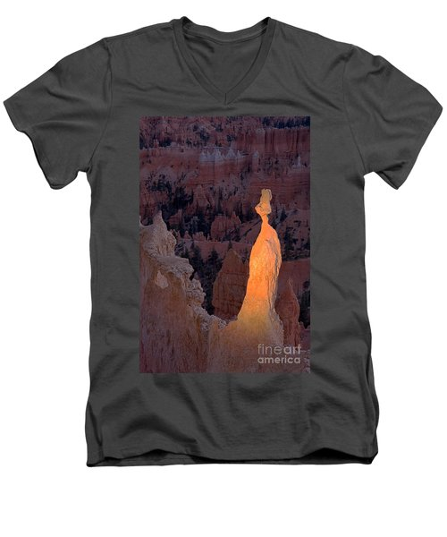 Rabbit Sunset Point Bryce Canyon National Park Men's V-Neck T-Shirt