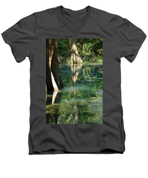 Radium Springs Creek In The Summertime Men's V-Neck T-Shirt