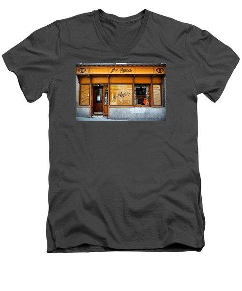 Ramirez Guitars Workshop Men's V-Neck T-Shirt