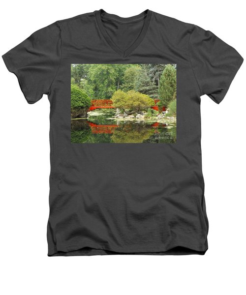 Red Bridge Reflection In A Pond Men's V-Neck T-Shirt