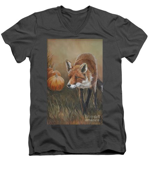 Red Fox With Pumpkins Men's V-Neck T-Shirt