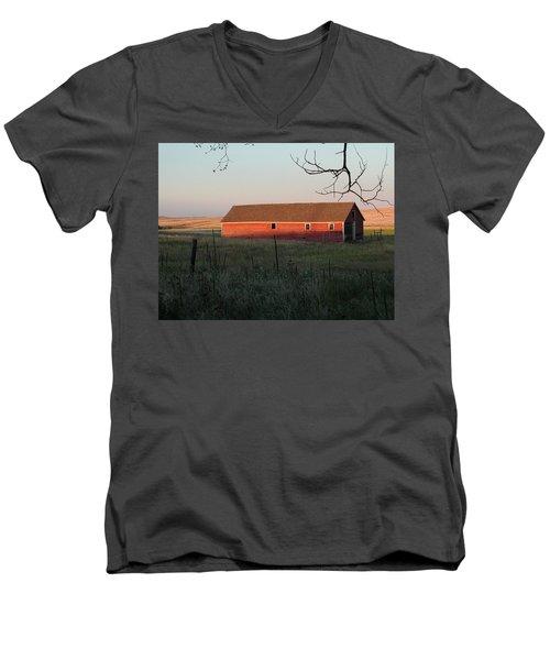 Red Granary Barn Men's V-Neck T-Shirt