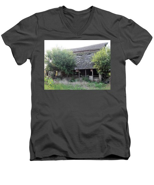 Men's V-Neck T-Shirt featuring the photograph Retired Barn by Bonfire Photography
