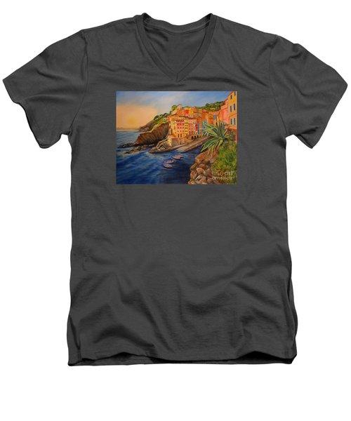 Riomaggiore Amore Men's V-Neck T-Shirt