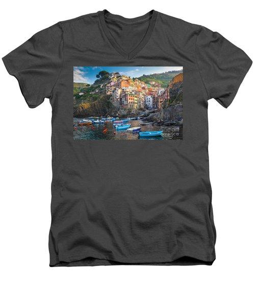Riomaggiore Boats Men's V-Neck T-Shirt