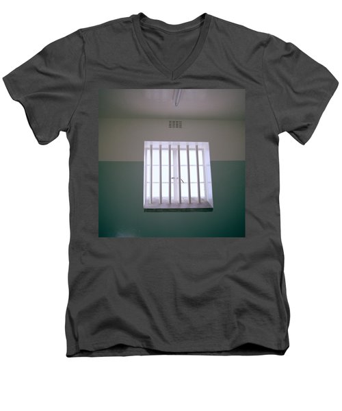 Robben Island Men's V-Neck T-Shirt