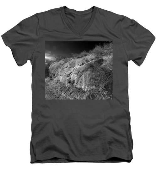 Rocky Face And Sky Men's V-Neck T-Shirt