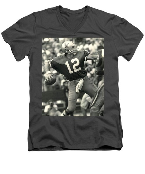 Roger Staubach Vintage Nfl Poster Men's V-Neck T-Shirt by Gianfranco Weiss