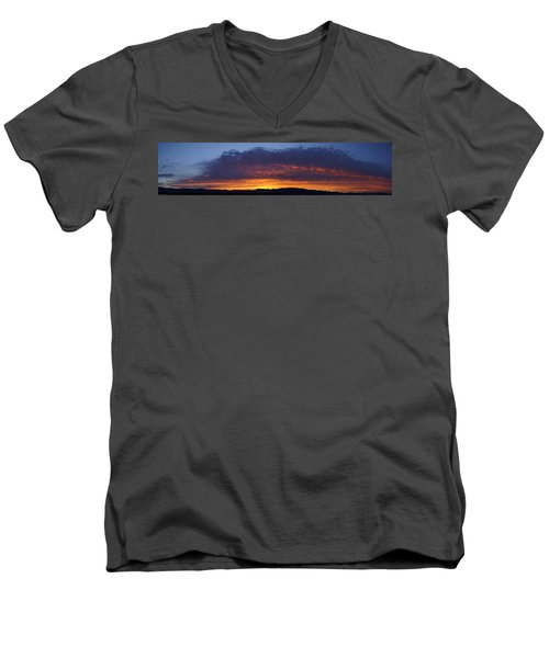 Rogue Valley Sunset Panoramic Men's V-Neck T-Shirt