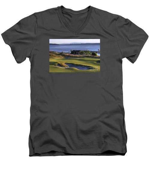 Hole 17 Hdr Men's V-Neck T-Shirt by Chris Anderson