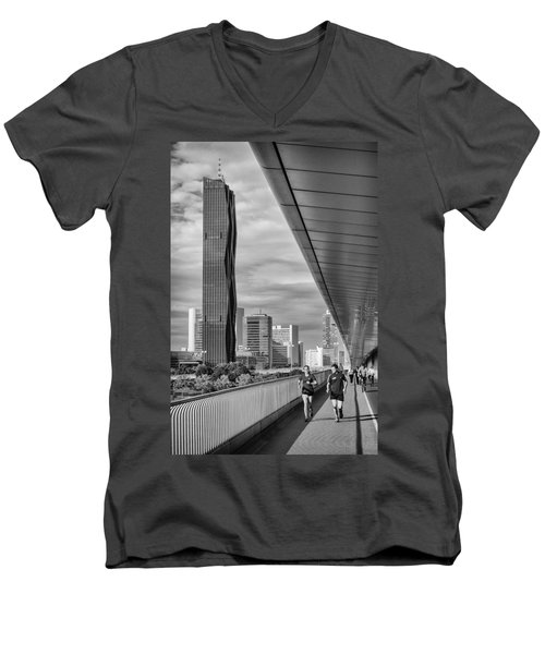 Run Across Viena Men's V-Neck T-Shirt