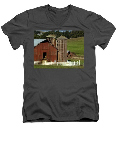 Rural Barn Men's V-Neck T-Shirt by Bill Gallagher