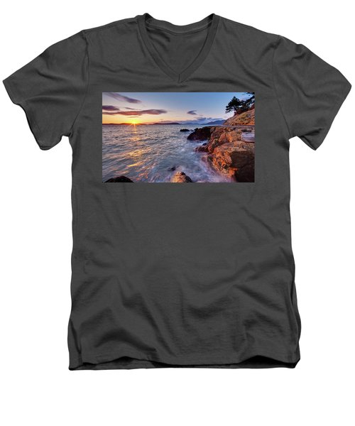 San Juans Serenity Men's V-Neck T-Shirt