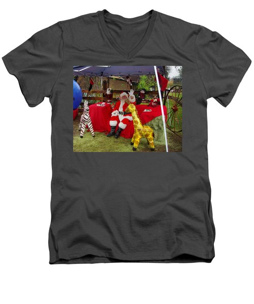 Santa Clausewith The Animals Men's V-Neck T-Shirt