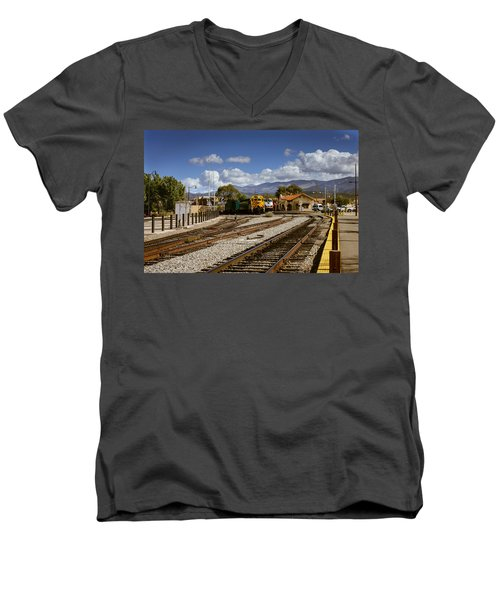 Santa Fe Rail Road Men's V-Neck T-Shirt