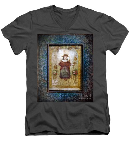 Santo Nino De Atocha Men's V-Neck T-Shirt
