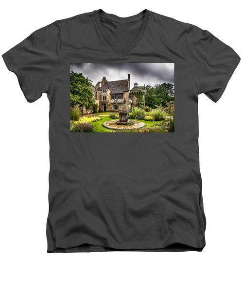 Scotney Castle 4 Men's V-Neck T-Shirt